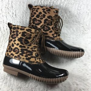 Shoes - 🎊DUCK BOOTS 🎈IN LEOPARD AND BLACK